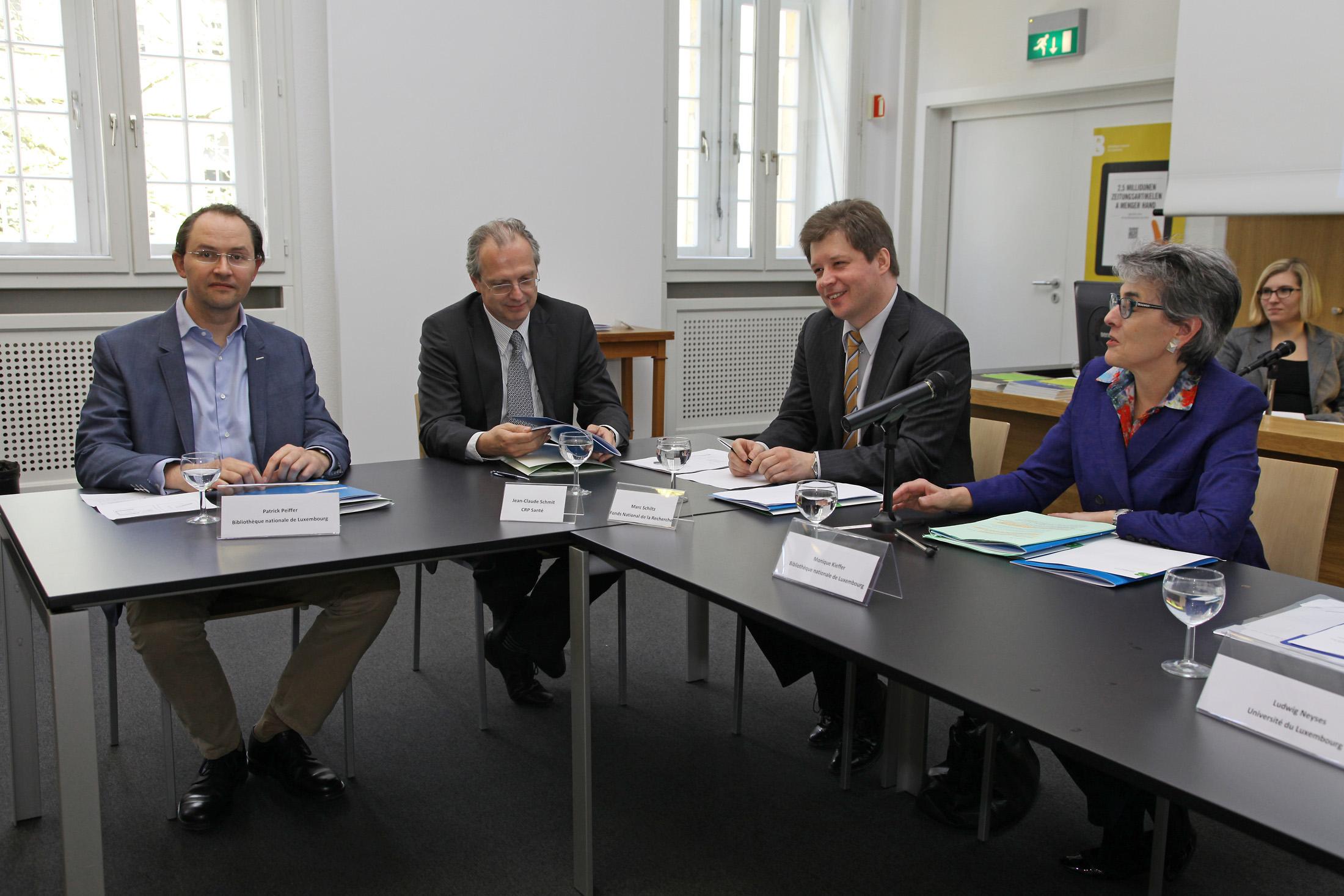 Représentants du « Consortium Luxembourg » et du FnR: Patrick Peiffer, Dr. Jean-Claude Schmit, Marc Schiltz, Monique Kieffer