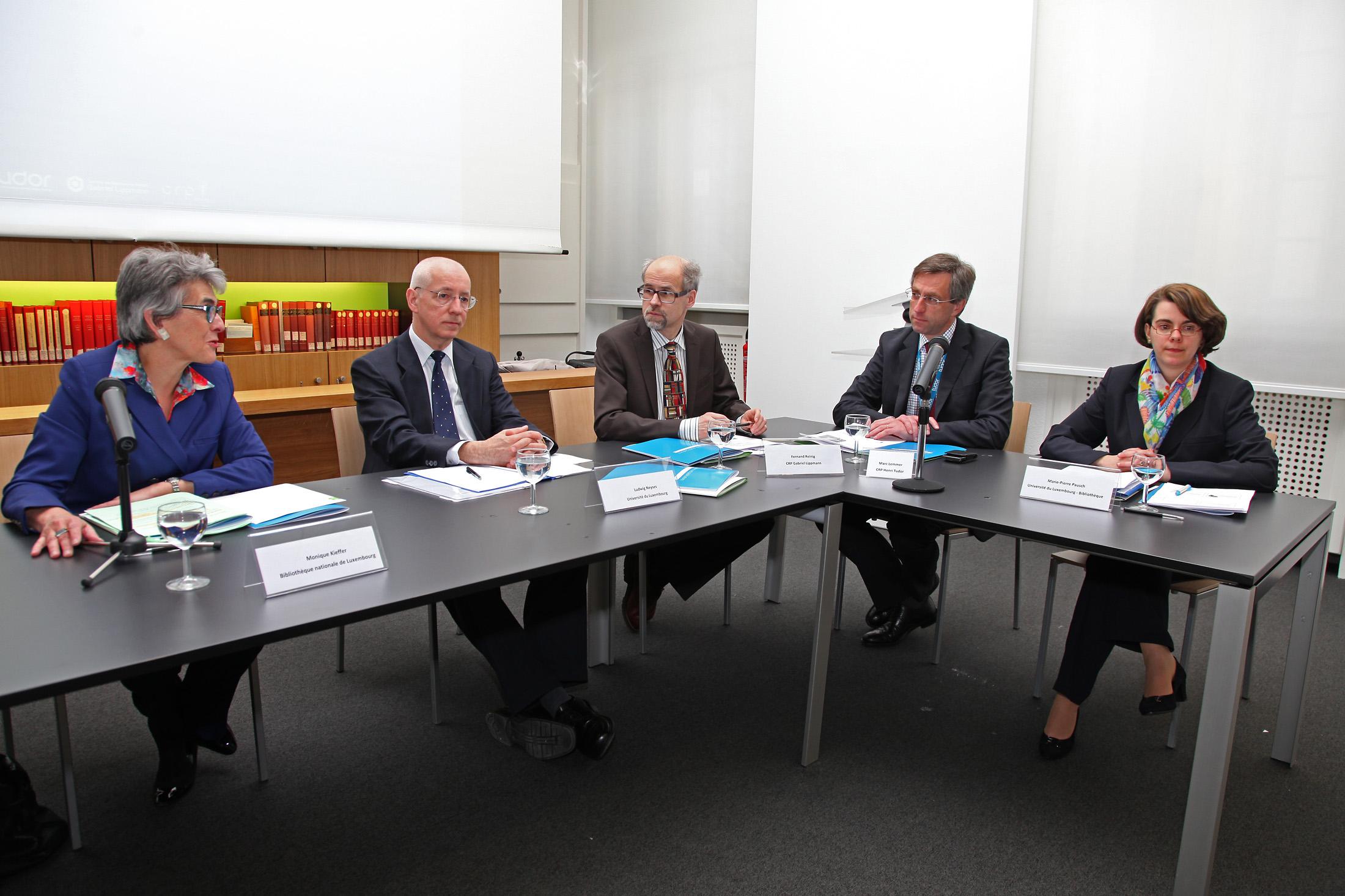 Monique Kieffer (BnL), Dr. Ludwig Neyses (Université), Fernand Reinig (CRP G. Lippmann), Marc Lemmer (CRP H. Tudor), Marie-Pierre Pausch (Université)